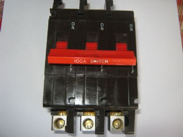 CRABTREE C50 100 AMP MAIN SWITCH DISCONNECTOR BS5419 CIRCUIT BREAKER.